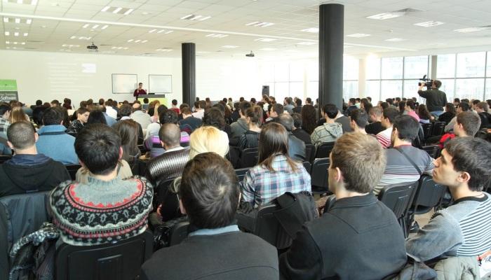 Светлин Наков е лектор на семинар за търсене на работа в ИТ индустрията - 12 януари 2011 г. - софтуерна академия